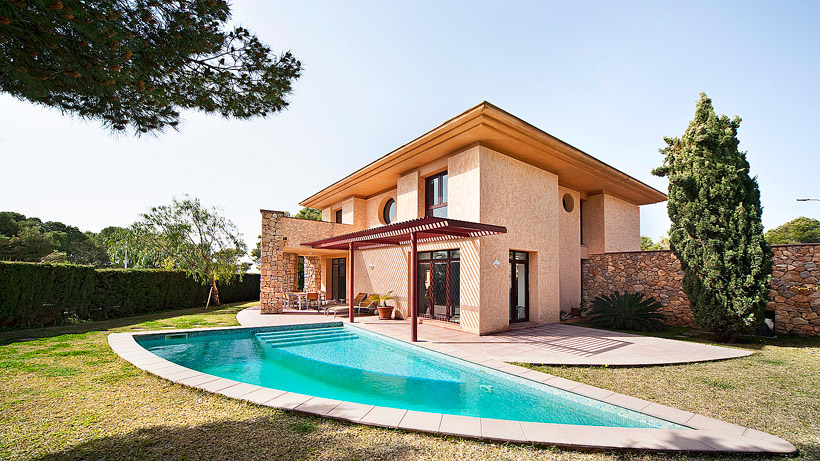 International overseas properties for sale portugal for Contemporary style homes for sale