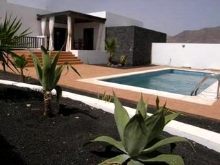 5 Bed Villa For Sale in Playa Blanca (Yaiza)