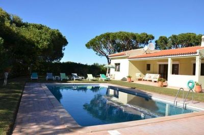 Almancil Algarve Villa With Pool For Sale