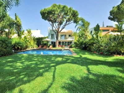Vilamoura Golf Villa For Sale In The Algarve