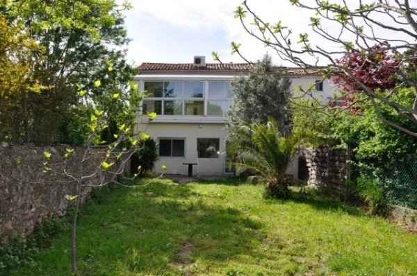 Renovated Winegrowers House With 3 Bedrooms, Jacuzzi, Garage And Garden - A Must See !