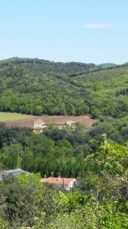 Former Farm House With 300 m2 Of Living Space On 3000 m2, Near The River Bank With Superb Views