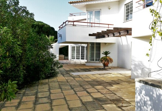 Vilas Alvas Bank Repossession Golf Property For Sale in Algarve