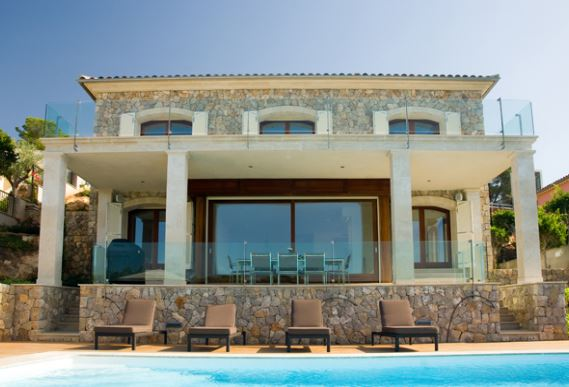 Luxury south facing detached family homes with direct beach access Cala Vinyas